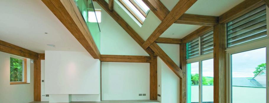 moderne villa met eigentijdse eiken constructie
